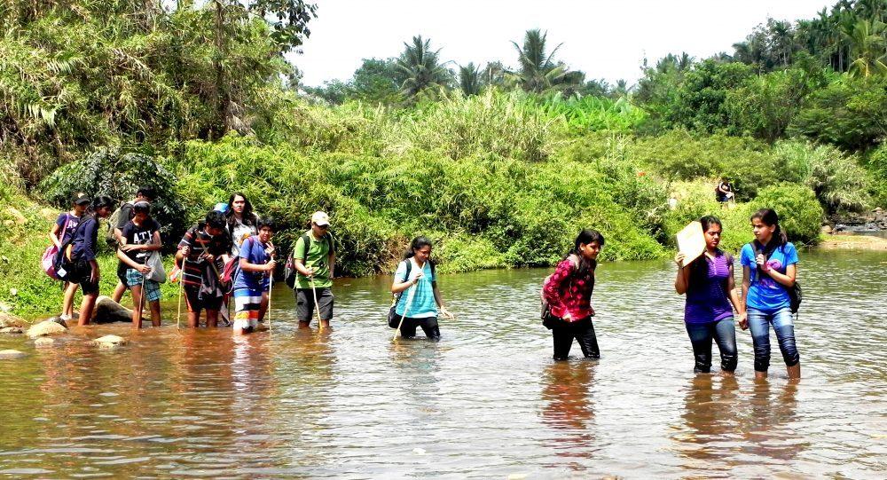 Global rivers in crisis